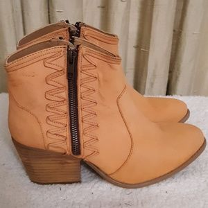 Musse & Cloud Athyl Western Ankle Boots Sz 9